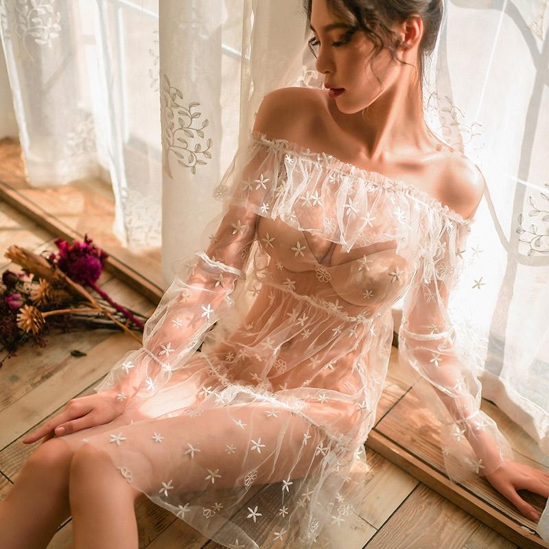霏慕 轻奢魅惑仿真丝系带睡裙